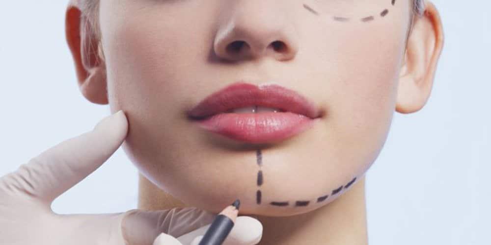 Bienfaits et risques de la chirurgie esthétique